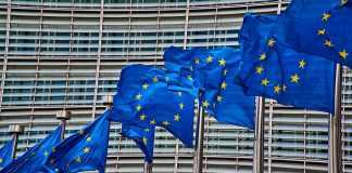 komission-kathe-energeia-vias-sti-mesogeio-einai-lipiri