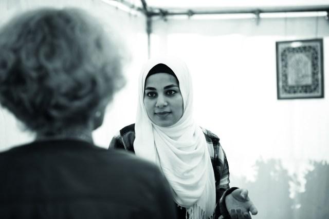 Interfaith Café kokoaa eri uskontokuntiin kuuluvia nuoria aikuisia.
