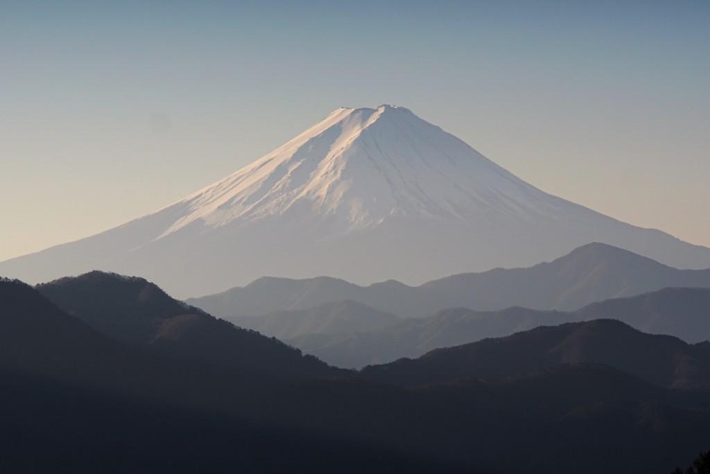 2017年の富士山を大菩薩ライン(国道411号)柳沢峠からお届けします