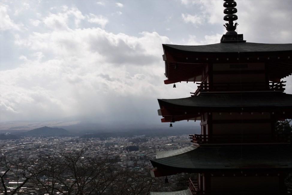 新倉山富士浅間公園 忠霊塔