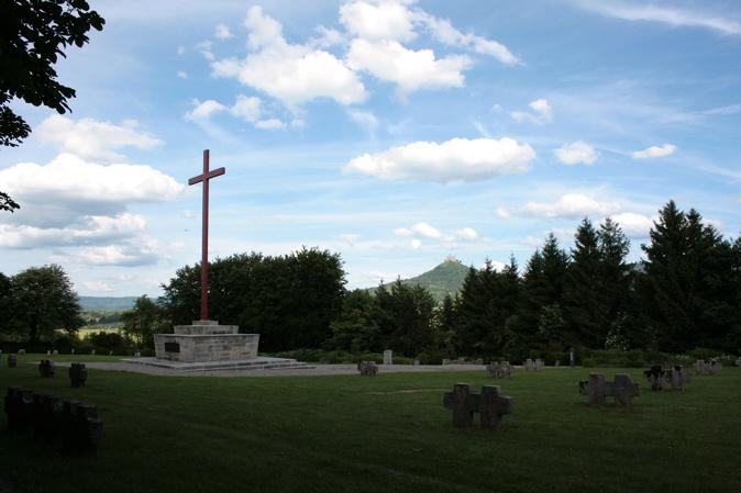BISINGEN - KZ- Friedhof Bisingen / Gedenksteine und Gedenktafel (2/6)