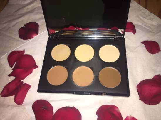 flawless look  iconic London multi-use cream contour palette