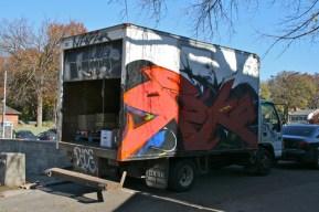 9 graffiti on a truck blog passions100facons.jpeg