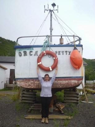 Devant le bateau du film Orca, Petty Harbour.JPG