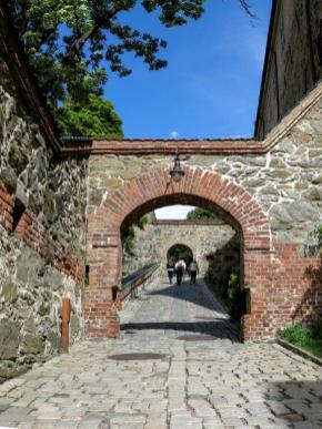 Citadelle accès châteu.jpg