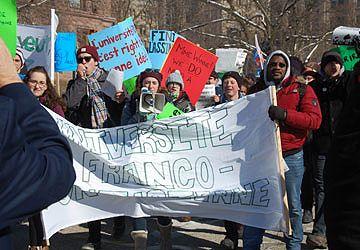 Manif cet hiver devant le parlement ontarien pour une université franco-ontarienne