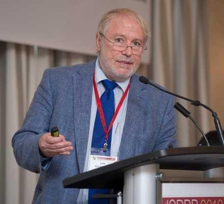 Le prof Lew Christopher, de l'Université Lakehead.