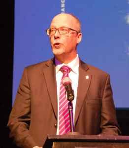 Larry Ostola, directeur des musées, du patrimoine et des fêtes du 150e anniversaire de la Confédération canadienne à la Ville de Toronto.
