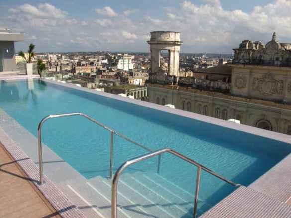 La piscine du Kempinski.