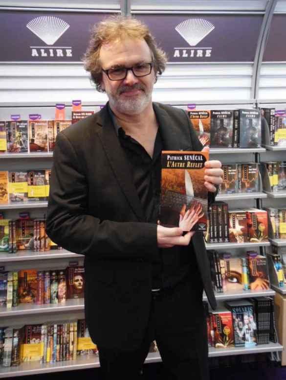 Patrick Senécal à la Foire du livre de Bruxelles. (Photo: Nicolas Dot)