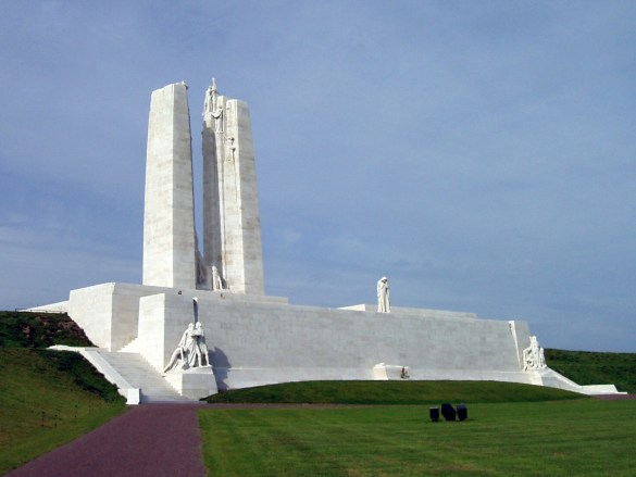 Le monument canadien à Vimy. (Photo: Carcharoth)
