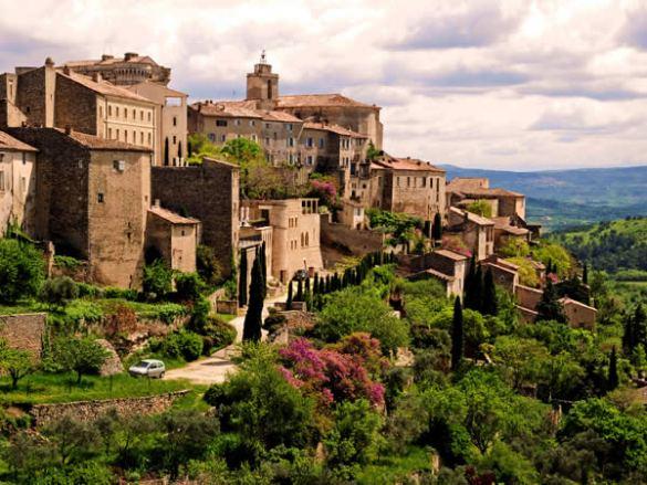Avec ses racines grecques et latines, la Provence attire les Québécois.