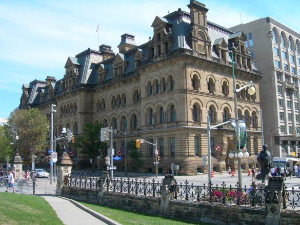 L'édifice Langevin, en face du Parlement, à Ottawa, a été rebaptisé.