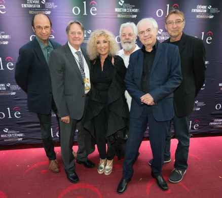 Beau Dommage: Michel Rivard, Réal Desrosiers, Marie-Michèle Desrosiers, Pierre Huet, Robert Léger, Michel Hinton. Pierre Bertrand était absent. (Photo: Tom Sandler)