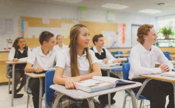 Des élèves d'une école du Conseil scolaire catholique MonAvenir.