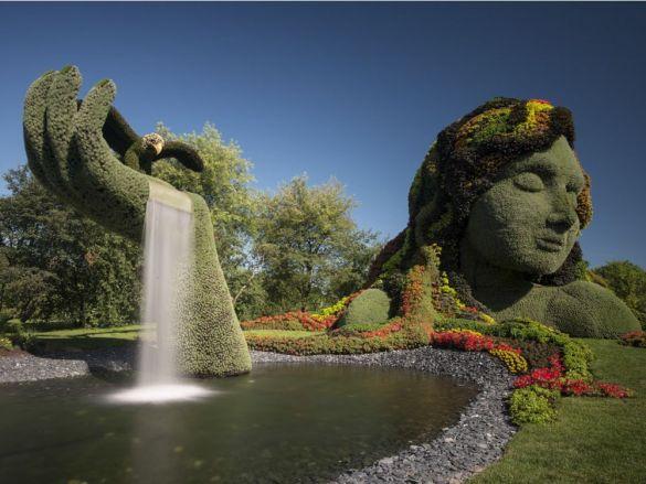 La Terre Mère – La légende d'Aataentsic, icône de MosaïCanada, pèse à elle seule 100 tonnes.