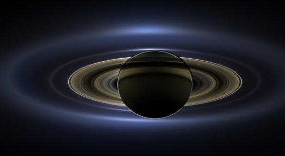 Éclipse de soleil saturnienne. (Montage d'images prises le 19 juillet 2013. NASA/JPL)