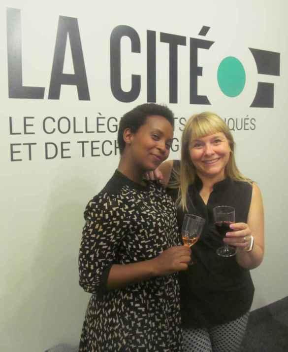 La sommelière Aline Rudaswinga et la directrice du collège La Cité à Toronto, Judith Charest.