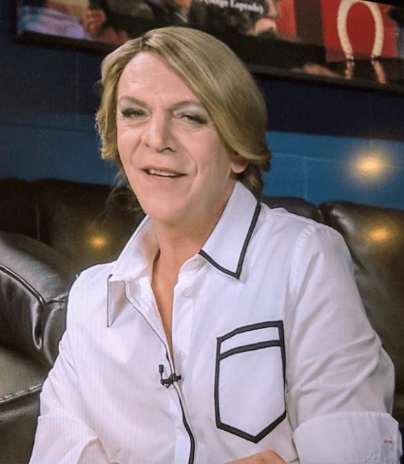 La ministre Mélanie Joly imitée par le comédien Marc Labrèche sur ARTV, dans un clip viral. (Capture d'écran)