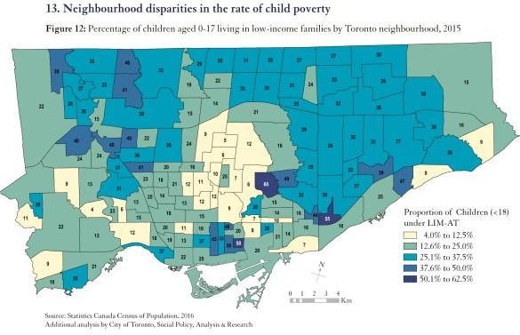 Une carte des quartiers de Toronto montrant les plus pauvres en bleu foncé.