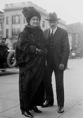 Maria Monressori avec le journaliste américain Samuel Sidney McClure en 1914. (Photo: Library of Congress)