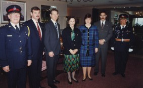 Le roi Michel de Roumanie, la reine Anne et la princesse Margareta à Toronto en 1992.