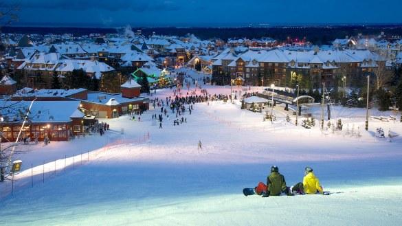 Ski de soirée à Blue Mountain.