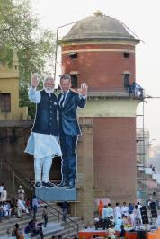 Macron Inde