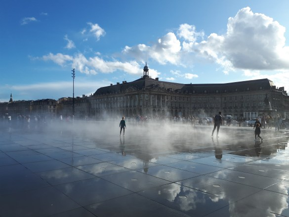 Place de la bourse à Bordeaux