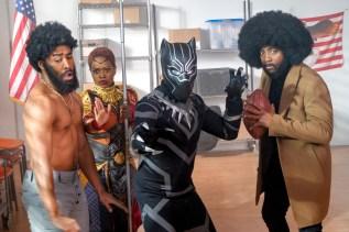 Le héros Black Panther combat le racisme dans la revue de fin d'année d'Air Farce à CBC.