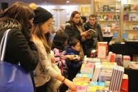 Le Salon du livre de Toronto, un événement annuel, est à la fois une foire commerciale et un festival d'auteurs.