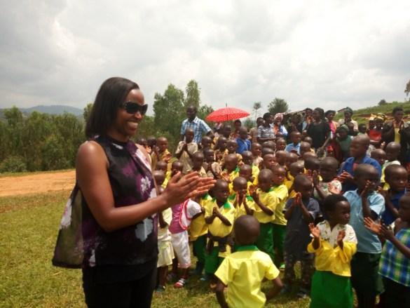 """école maternelle construite au Rwanda par l'association """"Le chemin de la lumière"""" 2017"""