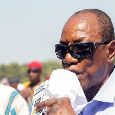 """Déterminé à transformer l'administration guinéenne avec le slogan """"gouverner autrement"""", le président Alpha Condé, a sifflé la fin"""