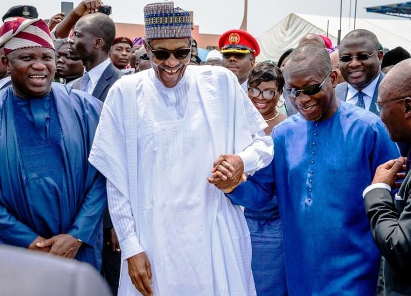 Le Présidents Talon et Buhari mettent en exploitation le poste de contrôle juxtaposé Sèmè-Kraké (photos)