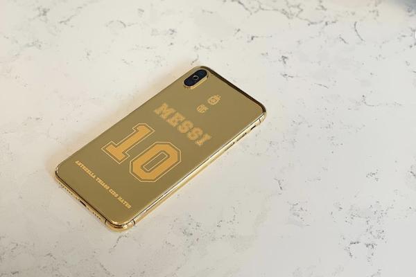 Le téléphone couvert d'or, Lionel Messi, Thiago, Ciro, Mateo, Antonella