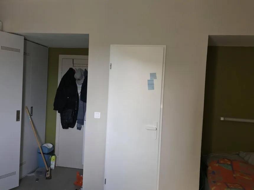 in-2-France la galère d'un étudiant béninois confiné dans son studio de 9 mètres carrés