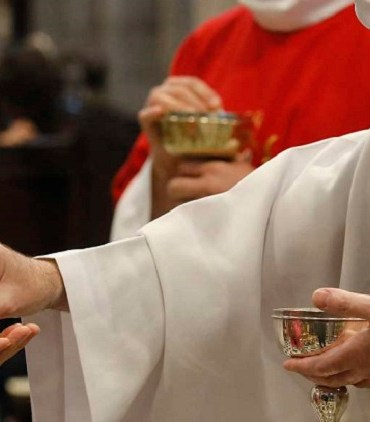 Tombé amoureux d'une fidèle de sa paroisse, un Prêtre va porter plainte contre l'Eglise catholique