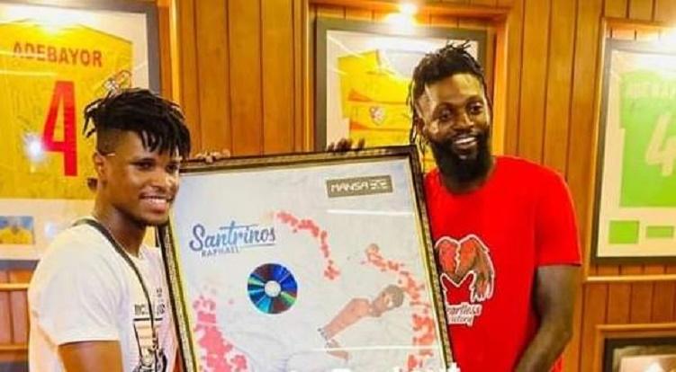 Togo : Adebayor soutient Santrinos en achetant son album à un prix ''incroyable''