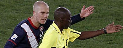 United States' Michael Bradley, left, argues with Mali's referee  Koman Coulibaly (AP  Photo/Hassan Ammar)