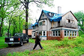 Mitt Romney's boyhood home in Detroit stands abandoned