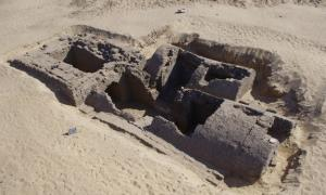 3,300-Year-Old Tomb with Pyramid Entrance Discovered …