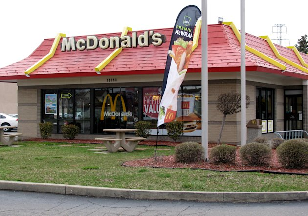 <p> A McDonald's restaurant in Dearborn, Mich., involved in a suit over non-halal food is seen on Tuesday, April 16, 2013. A judge on Wednesday finalized a $700,000 settlement between McDonald's Corp., the franchise owner of the Dearborn restaurant, and members of Michigan's Muslim community over claims the suburban Detroit restaurant falsely advertised its food as prepared according to Islamic law. (AP Photo/Jeff Karoub)