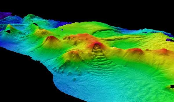 Click photo to view more images. (British Antarctic Survey)