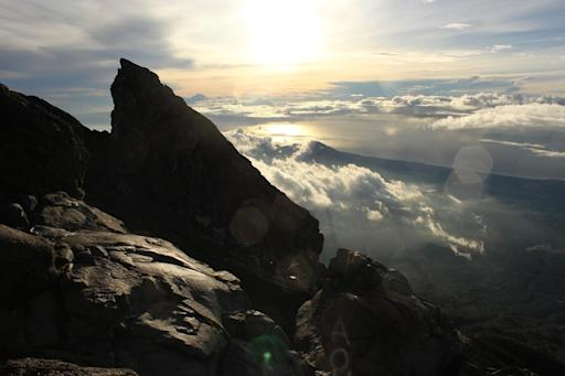 You can see Renjani in the background of sunrise at Agung mountain.