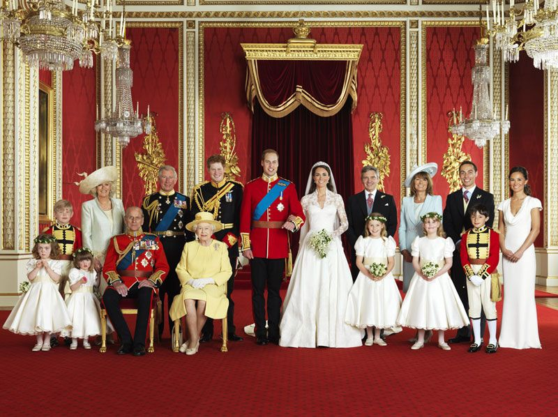Ful portrait of royal family