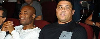 https://i2.wp.com/l1.yimg.com/a/i/br/esportes/2012/ronaldo_anderson.jpg