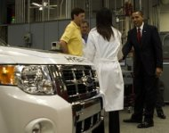 President Obama visits the Edison Electric Vehicle Technical Center in Pomona, Calif., in 2009. Credit: White House/Lawrence Jackson