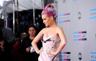 Katy Perry  arrives at the 2011 American Music Awards