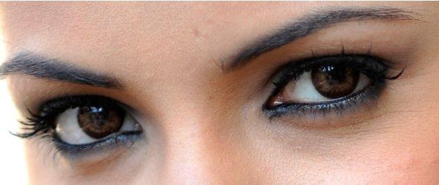 B'wood eyes