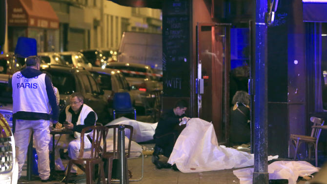 Hollande: Several dozen dead in attacks around Paris
